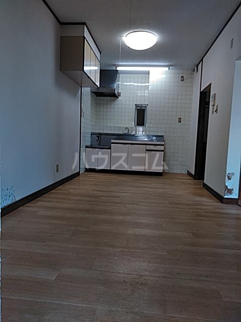 コーポラスシャロー 306号室のリビング