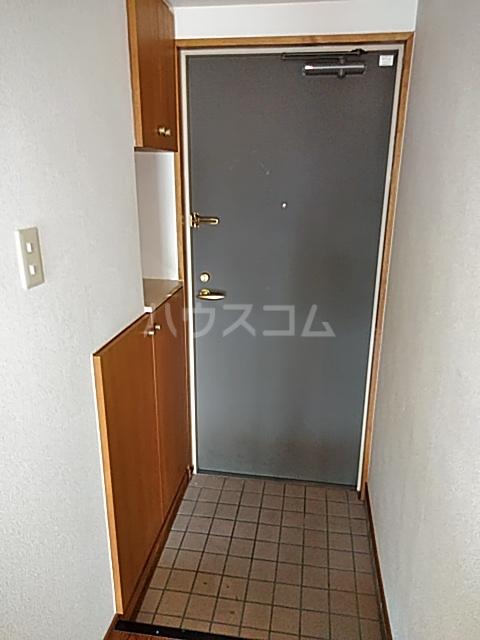 パークサイドⅢ B2号室の玄関