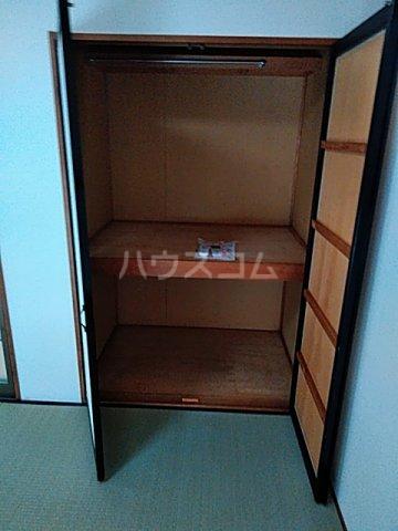 プレジール天王台 201号室の玄関