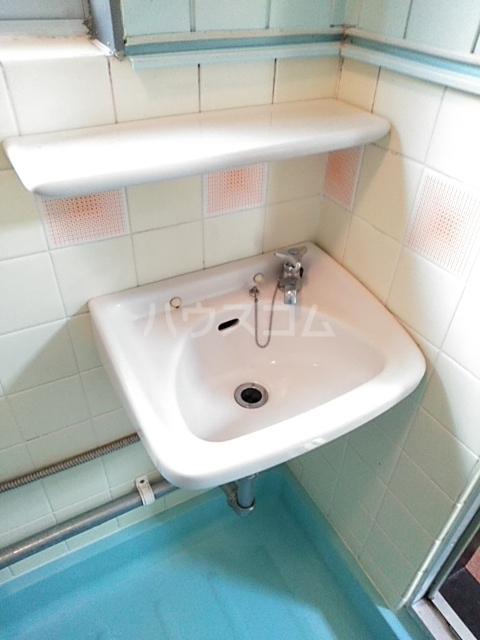 メゾンアズマ 402号室の洗面所