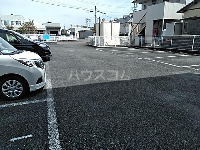 ソネットS 103号室の駐車場