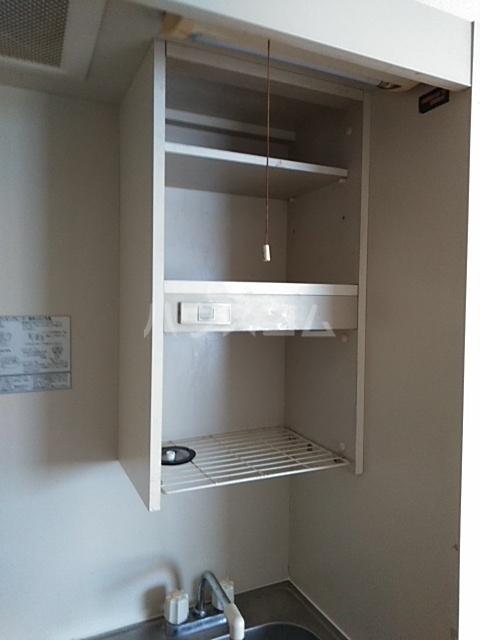 ラ・ピエサ 303号室のキッチン