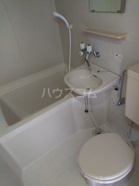 ラ・ピエサ 303号室の風呂