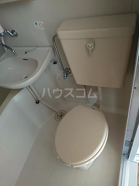 ラ・ピエサ 303号室のトイレ
