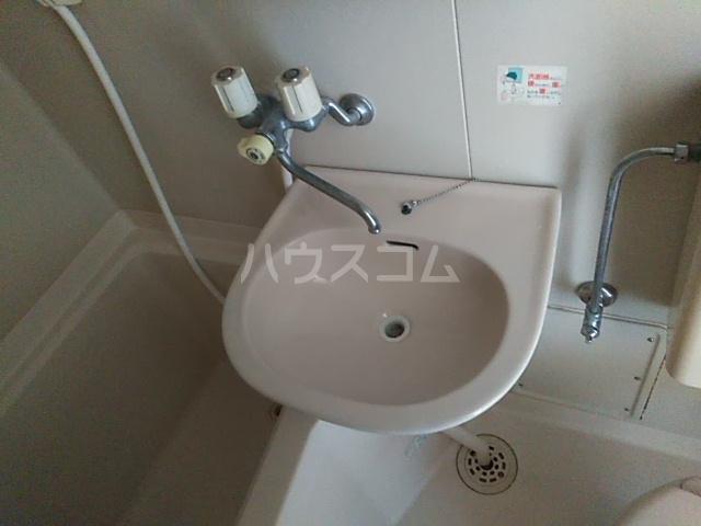 ラ・ピエサ 303号室の洗面所