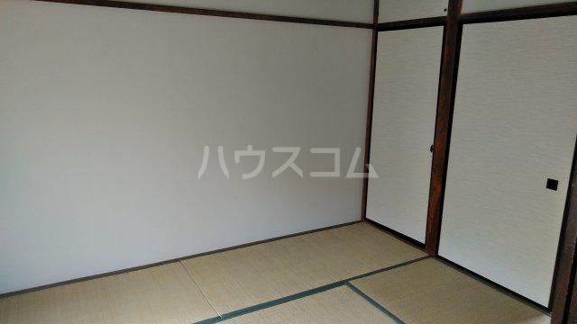 フラワーハイツB 206号室の居室