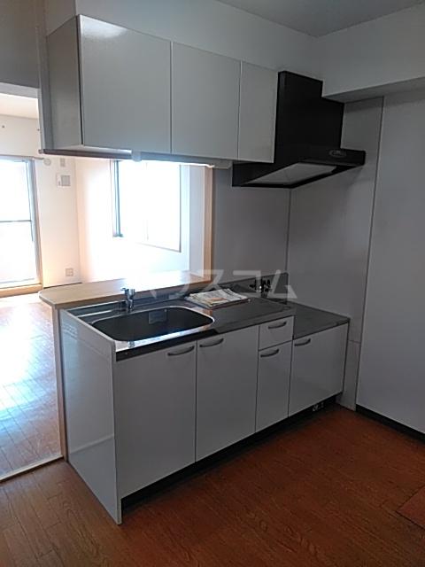 シャテロ巴 401号室のキッチン