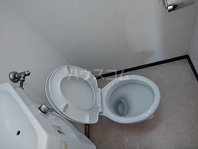 イズミコーポ 203号室のトイレ