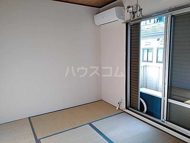 イズミコーポ 203号室の居室
