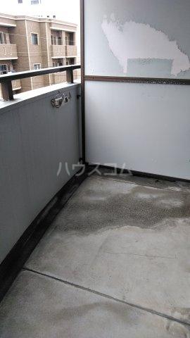 クレセントコート静岡 502号室のバルコニー