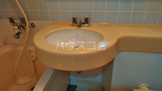 クレセントコート静岡 502号室の洗面所
