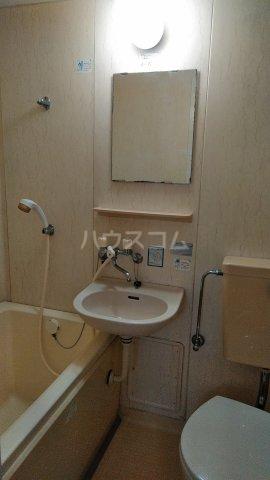 メゾンロゼB 101号室の洗面所