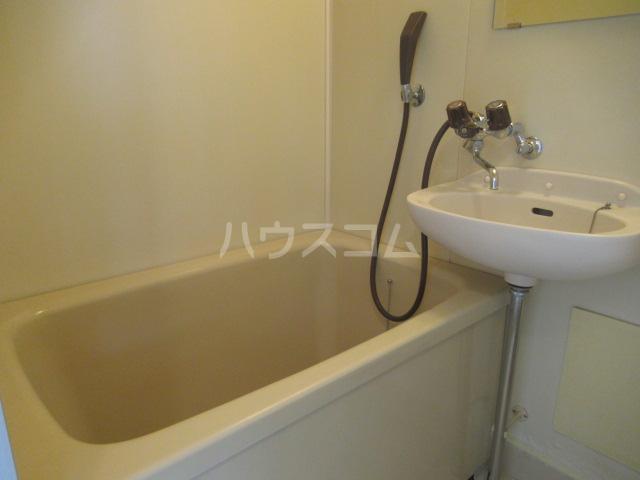 コスモハイツ 201号室の風呂