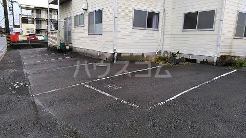 ハイツオオシマ 101号室の駐車場