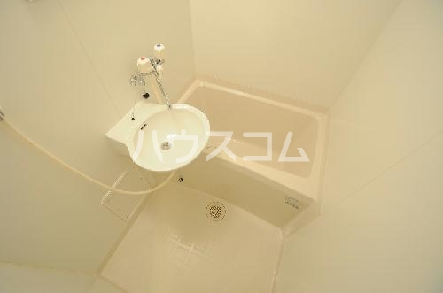 レオパレスアバンセA 101号室のトイレ