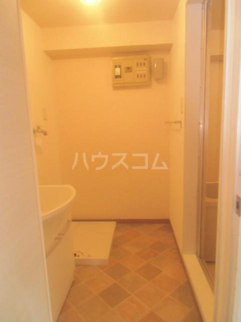 プリエール吉野町 306号室の洗面所