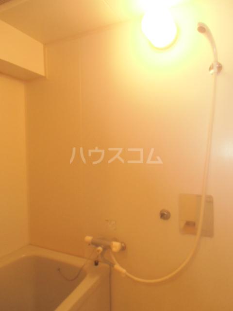 プリエール吉野町 306号室の風呂