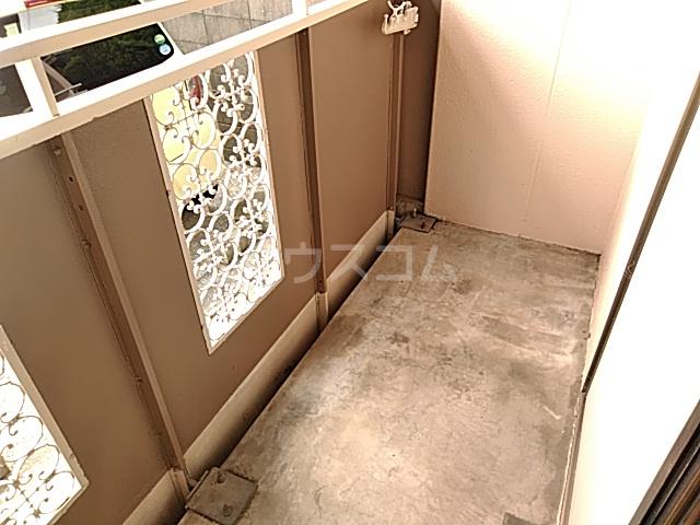 ヴァンベール・コジマ 103号室のバルコニー