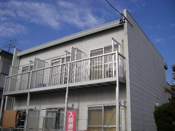 ホワイトハイツ東山 201号室の外観