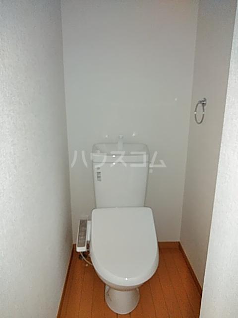 エスポワール西が丘 201号室のトイレ