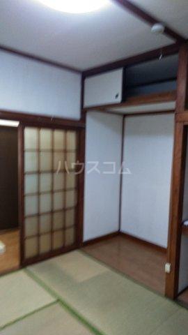 高橋荘 203号室の居室