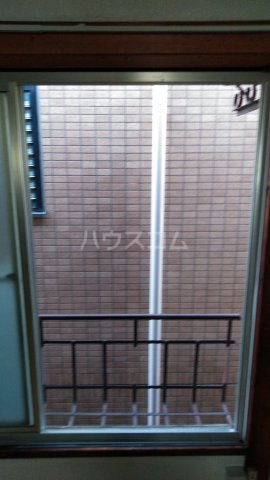 高橋荘 203号室の景色