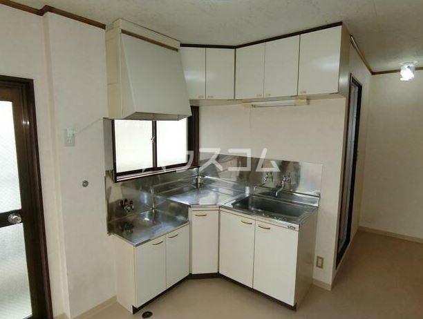 鈴木コーポ 201号室のキッチン
