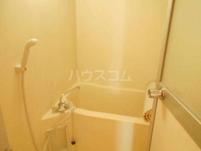 ストークマンション 301号室の風呂