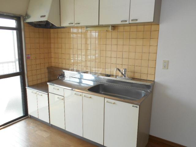 ストークマンション 301号室のキッチン