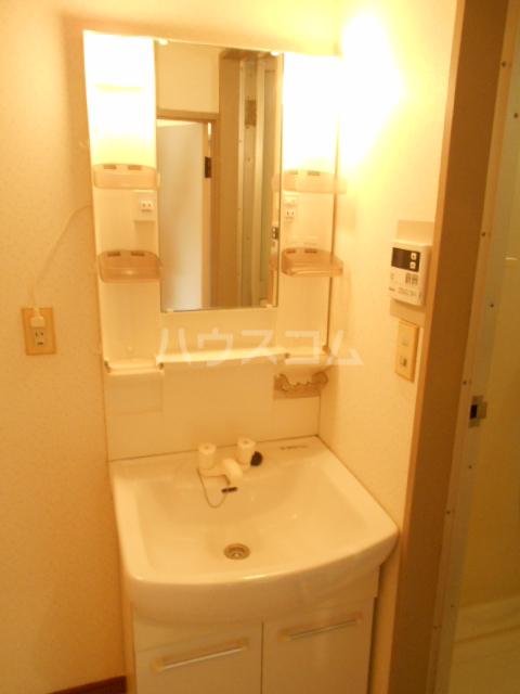 ストークマンション 301号室の洗面所