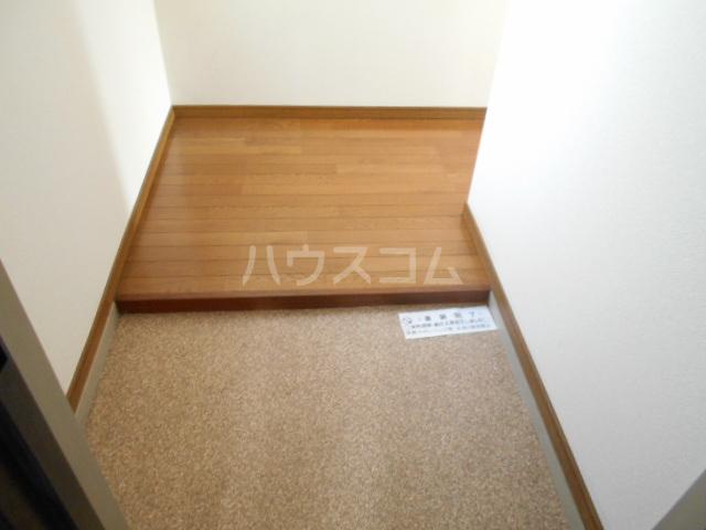 ストークマンション 301号室の玄関