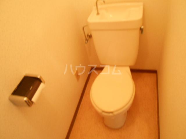 ストークマンション 301号室のトイレ