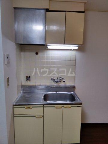 岡部ビル 301号室のキッチン