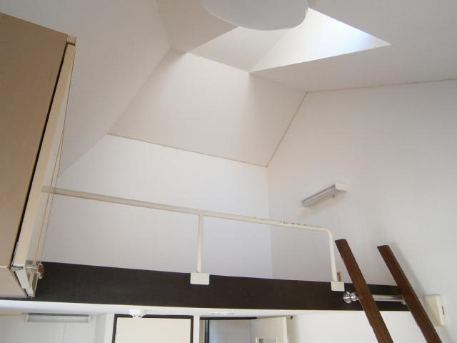ライフピアエンブレム 105号室のその他