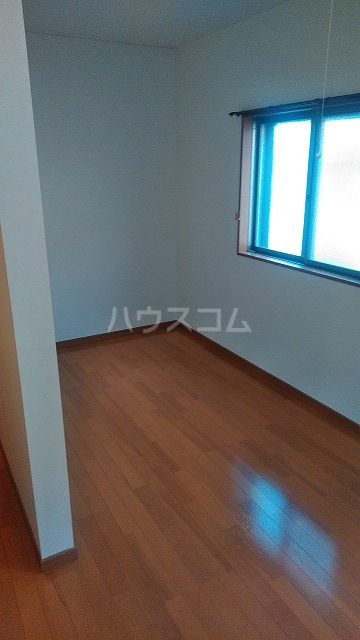 グットライフ 201号室の居室