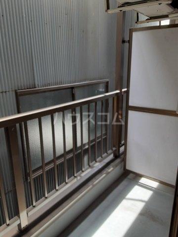 FLAT DOZE 203号室の玄関