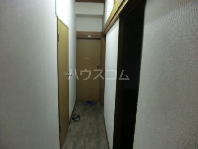 常葉ビル 201-2号室の玄関