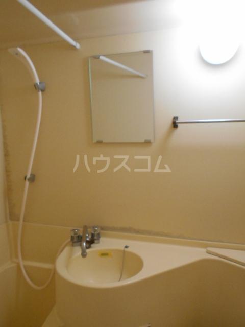 リーマ西台クレスト 502号室の洗面所