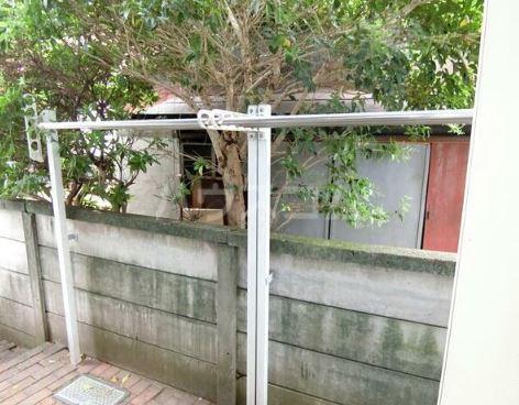 神田ホームズ 102号室の庭