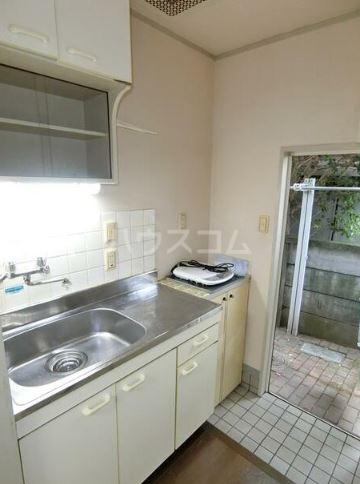 神田ホームズ 102号室のキッチン