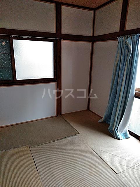 岡本荘 202号室の居室
