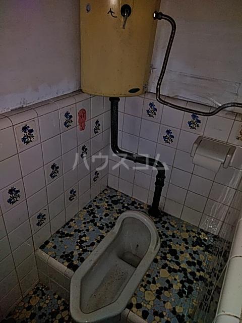岡本荘 202号室のトイレ