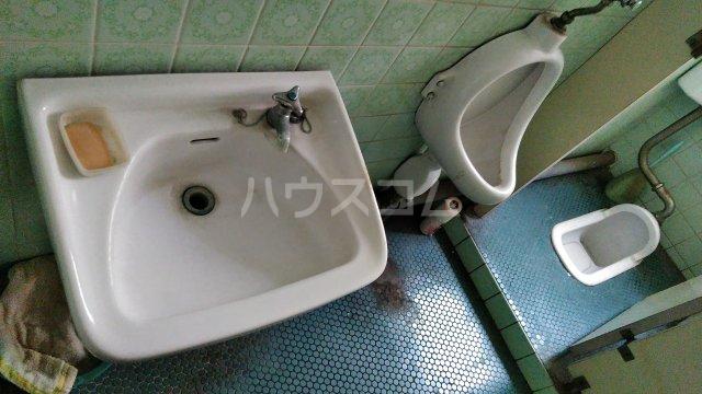 谷ビル 312号室の洗面所
