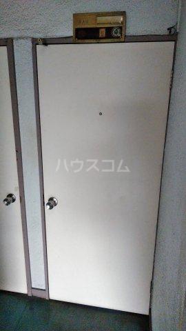 谷ビル 312号室の玄関
