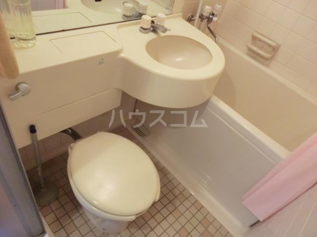 アクアステージ 302号室のトイレ