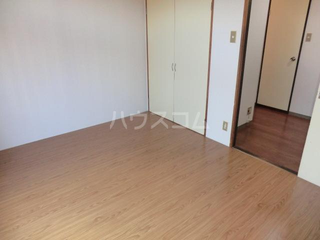 メゾン三恵 201号室のベッドルーム
