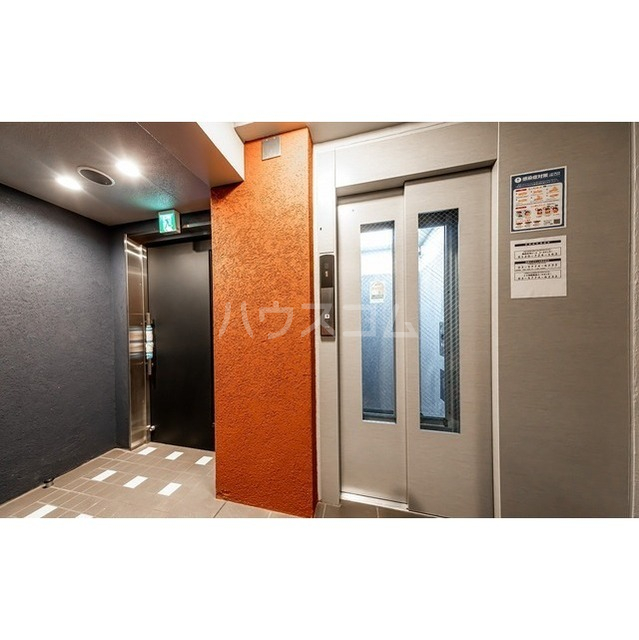 ウェルスクエアイズム巣鴨 302号室のエントランス