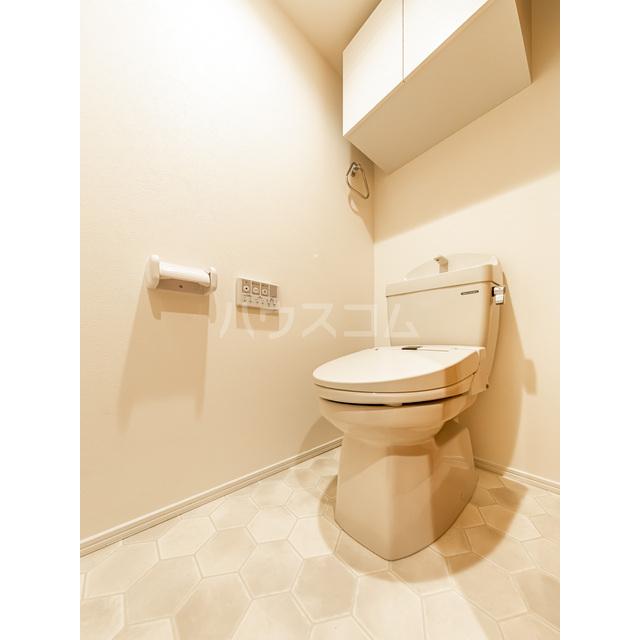 ウェルスクエアイズム巣鴨 302号室のトイレ