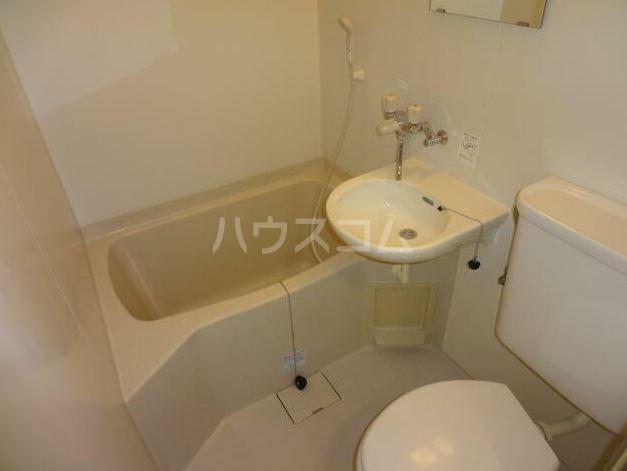 ガーデンハイム王子 303号室の風呂