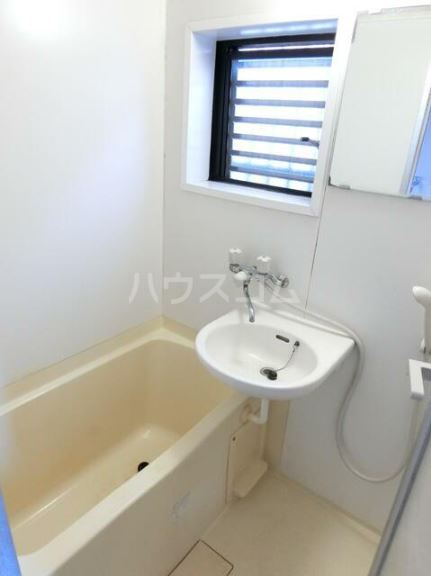 マーベラスハイム 301号室の風呂